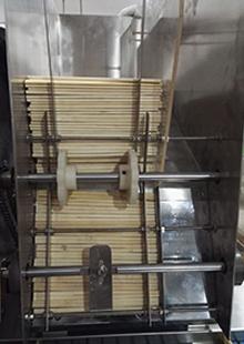 一次性筷子包装机车间