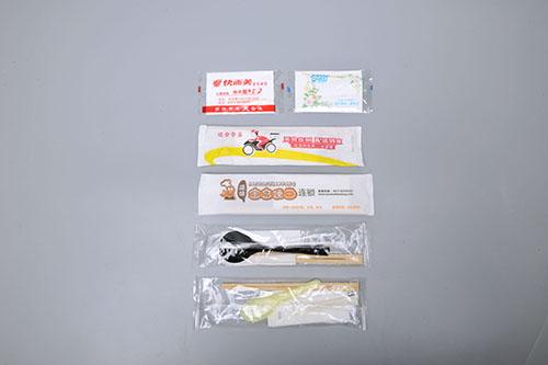 筷子勺子牙签纸巾组合包装机样品